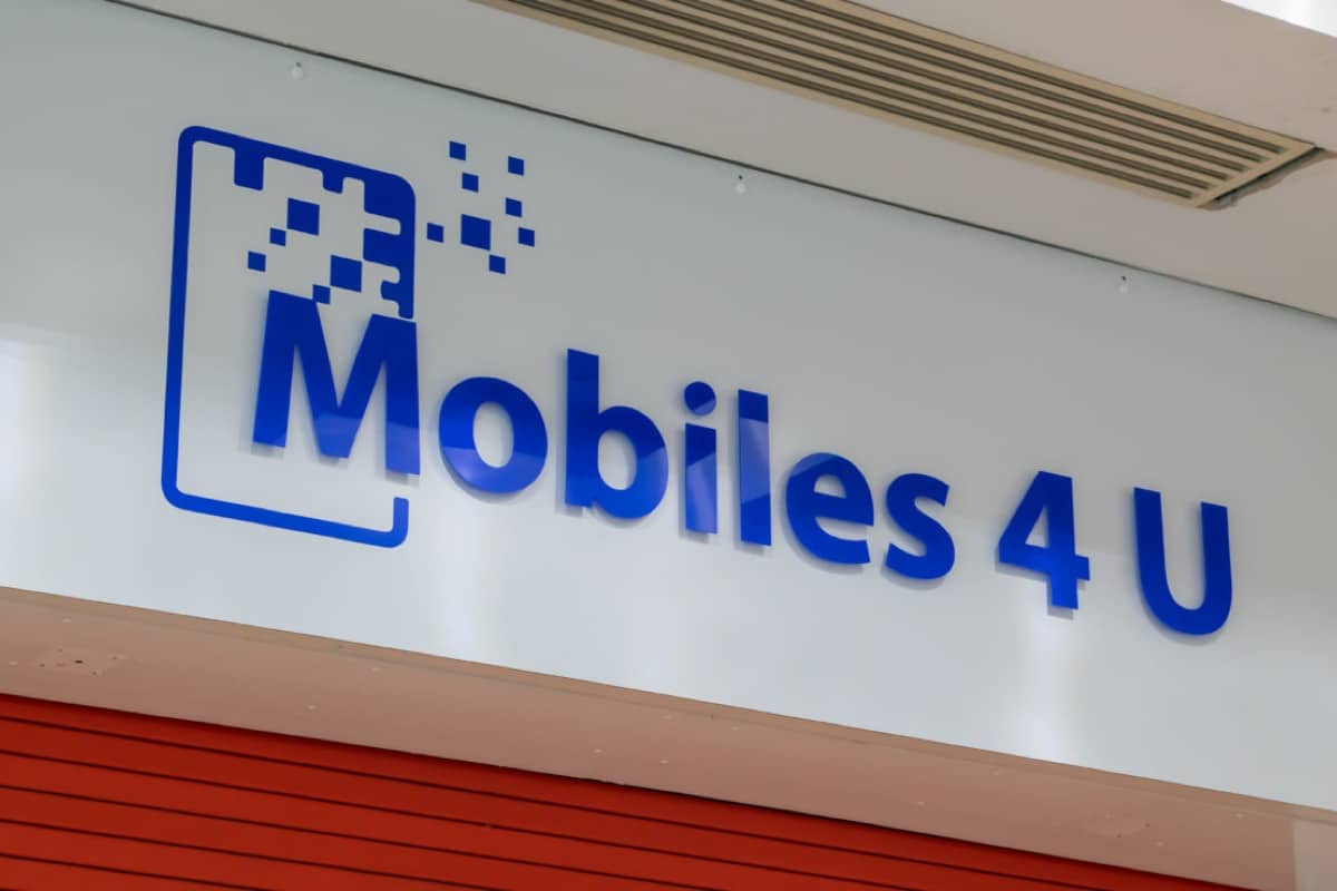 Mobiles4U